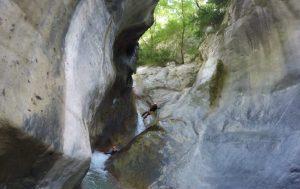 rappel de la virgule dans le canyon de la maglia