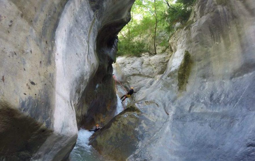 rappel de la virgule dans le canyon de la maglia - canyoning sportif du 06