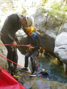 initiation-canyoning-rappel