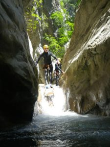 initiation-canyoning-Cramassouri-saut