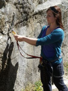 Apprendre la manip du relais en escalade