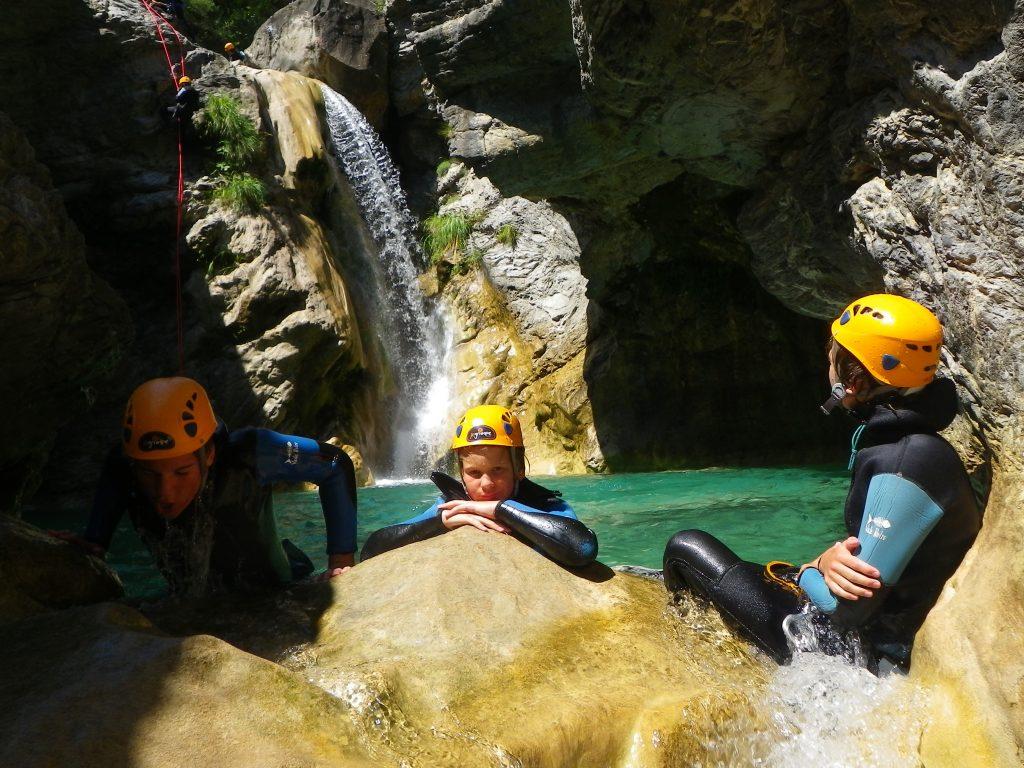 un moment de détente dans le canyoning de barbaira